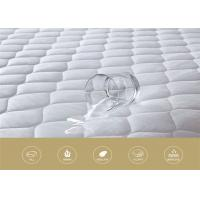 Wholesale 50% Polyester 50% Cotton Waterproof Mattress Protector 180 * 200cm For Hotel from china suppliers