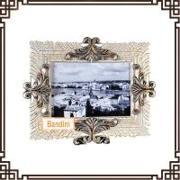 Wholesale Best selling product factory customed resin crafts beautiful photo frames A0370WS from china suppliers