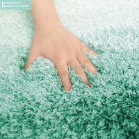 Wholesale BSCI Shiny Green Shaggy Microfiber Tufted Bath Rug Runner from china suppliers