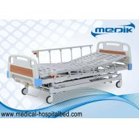 China Adjustable Manual Hospital Bed With 3 Crank , Semi Fowler ICU Sickbed wholesale
