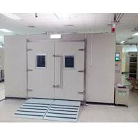 China Environmental Testing Walk In Humidity Chamber Door To Door Installation on sale