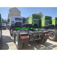 Wholesale 40T 420hp Sinotruk Tractor Truck With 1000L Oil Tank from china suppliers